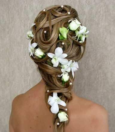 свадебные прически с цветами на длинных волосах