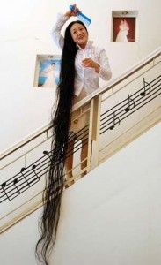 Рекордсменка среди женщин по длине волос
