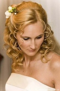 Свадебные прически для волос средней длины
