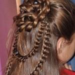 Как выглядят ажурные косы на длинные волосы