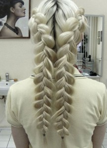 Как выглядят французские косы на длинные волосы