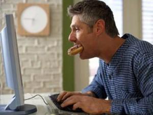 Что делать если муж изменяет виртуально в интернете, как остановить его?