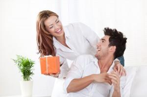 Что подарить мужу на годовщину свадьбы7