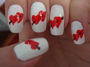 Рисунки на ногтях акриловыми красками Сердечки