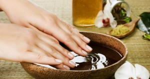 Отрастить ногти с помощью ванночек