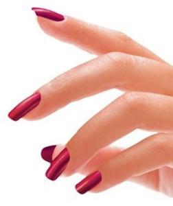 Как красиво накрасить ногти дома - техника нанесения лака