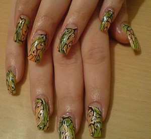 Красивое фото осеннего дизайна ногтей