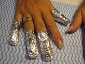Как снять акриловые ногти самостоятельно?