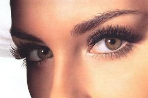 Как делать макияж для глаз - оформление бровей