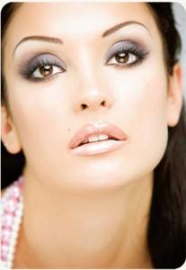 Вечерний макияж для карих глаз брюнеток