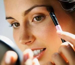 Уроки макияжа для карих глаз - нанесение косметики