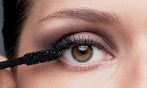 Красивый макияж для карих глаз - правила выполнения