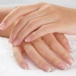 Слоятся ногти — что делать?