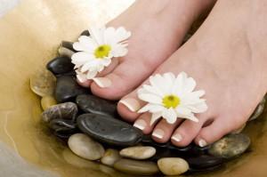 Наращивание ногтей на ногах - как выполнить?
