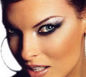 Как делать макияж для глаз правильно?