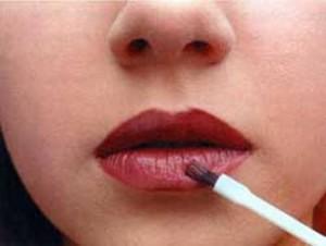 Уроки макияжа для начинающих - нанесение помады
