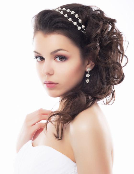 15 Wedding Hairstyles For Long Hair That Steal The Show: Свадебный макияж для карих глаз