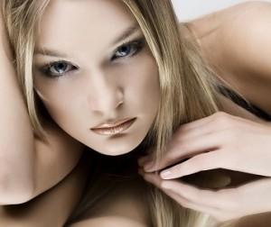 дневной макияж для голубых глаз брюнеток