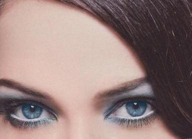 В вопросе, как снять макияж с глаз в домашних