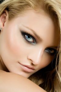 Красивый макияж для голубых глаз фото