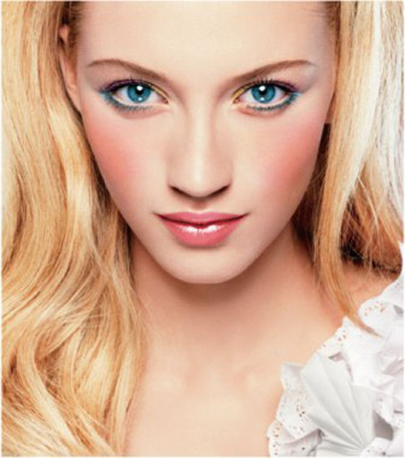 Для красивого макияжа голубых глаз