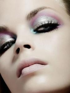 Как делать макияж для глаз по правилам