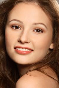 Естественный дневной макияж для карих глаз