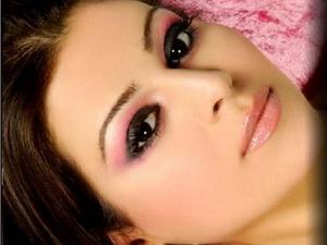 Красивый вечерний макияж для карих глаз