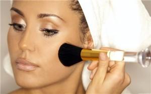Как правильно наносить макияж - пудра и румяна
