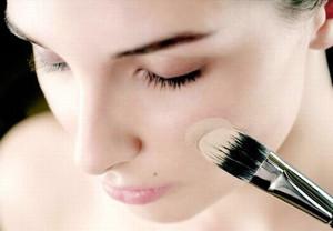 Как правильно наносить макияж - использование тонального крема