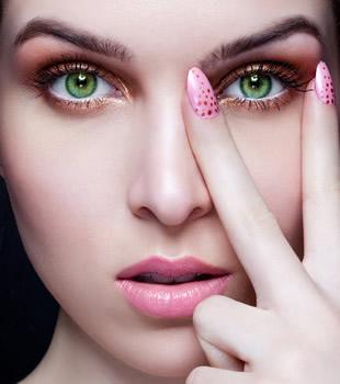 макияж для зеленых глаз брюнеток пошаговое фото