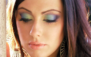 Вечерний макияж для серых глаз - выбор цветовой палитры