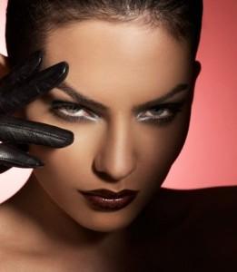 Новогодний макияж для голубых глаз смоки-айс