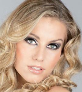 Новогодний макияж для блондинок - выбор цвета