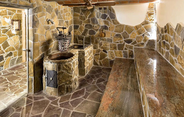 баня из натурального камня